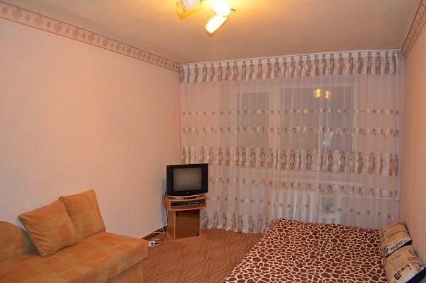 1-комнатная квартира посуточно в Харькове. Дзержинский район, ул. Есенина, 10. Фото 1