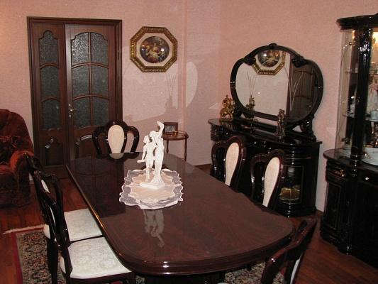 3-комнатная квартира посуточно в Львове. Лычаковский район, ул.Академика Филатова, 10. Фото 1