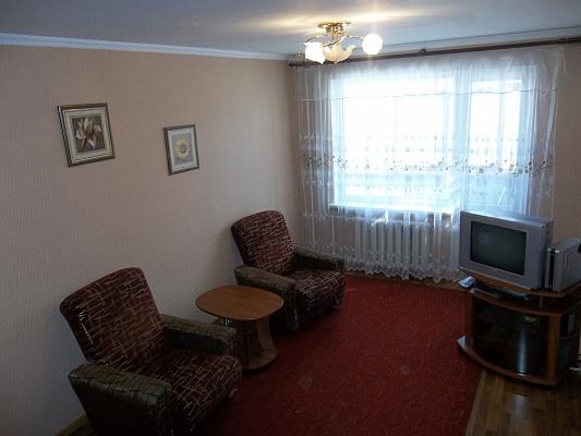 1-комнатная квартира посуточно в Черкассах. ул. Гоголя, 315. Фото 1