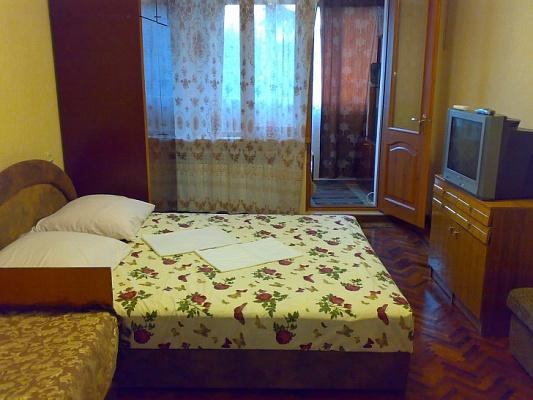 2-комнатная квартира посуточно в Алуште. ул. Судакская, 2. Фото 1