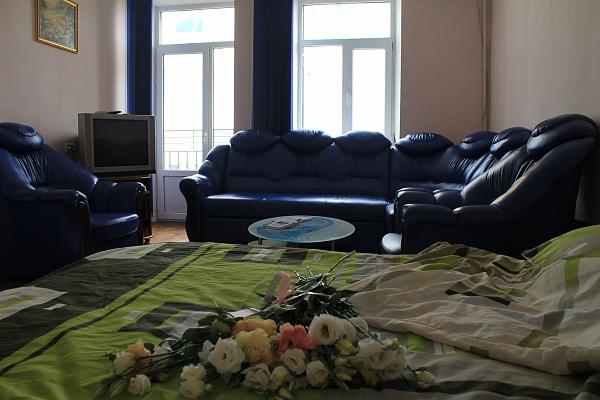 1-комнатная квартира посуточно в Одессе. Приморский район, ул. Преображенская, 92. Фото 1