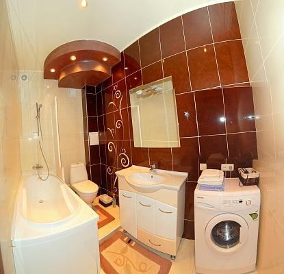 2-комнатная квартира посуточно в Донецке. Ворошиловский район, ул. Университетская, 30а. Фото 1
