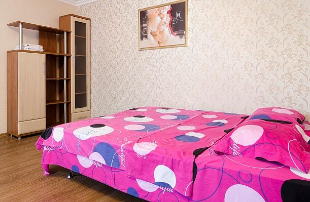 1-комнатная квартира посуточно в Донецке. Ворошиловский район, пр-т Дзержинского, 4. Фото 1