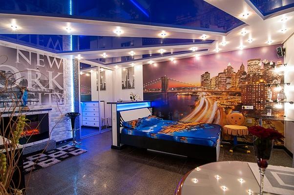 2-комнатная квартира посуточно в Киеве. Деснянский район, ул. Каштановая, 11. Фото 1