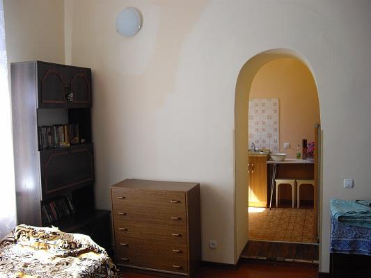 1-комнатная квартира посуточно в Алупке. ул. Западная, 15. Фото 1