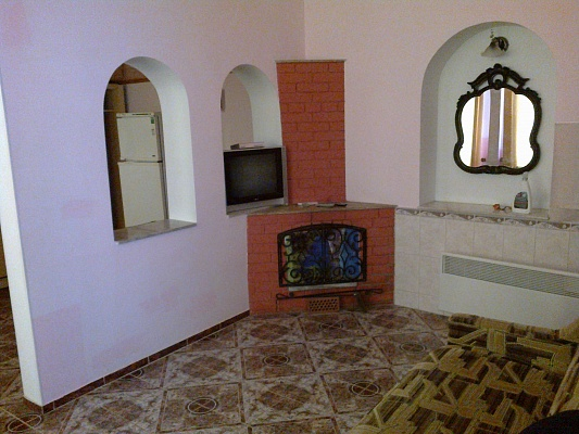 2-комнатная квартира посуточно в Феодосии. ул. Украинская, 5. Фото 1
