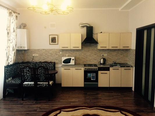 2-комнатная квартира посуточно в Ужгороде. ул. Минайская, 18г. Фото 1