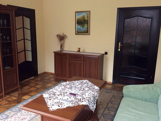 2-комнатная квартира посуточно в Львове. Галицкий район, ул. Крушельницкой, 23. Фото 1