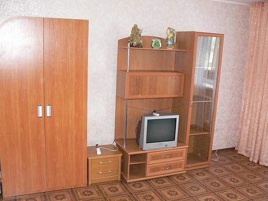 3-комнатная квартира посуточно в Евпатории. ул. Перекопская , 4. Фото 1
