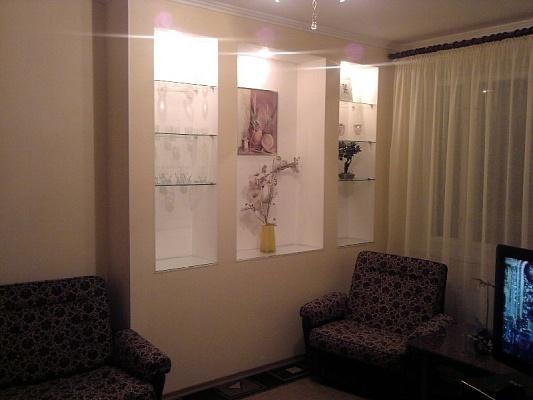 1-комнатная квартира посуточно в Южноукраинске. ул. Мира, 10. Фото 1