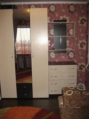 1-комнатная квартира посуточно в Горловке. ул. Остапенко, 48. Фото 1