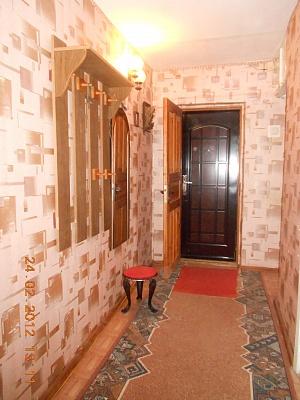 2-комнатная квартира посуточно в Каменце-Подольском. ул. Жукова, 33. Фото 1