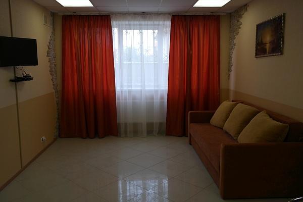 1-комнатная квартира посуточно в Буче. , Хмельницкого ,, 10. Фото 1