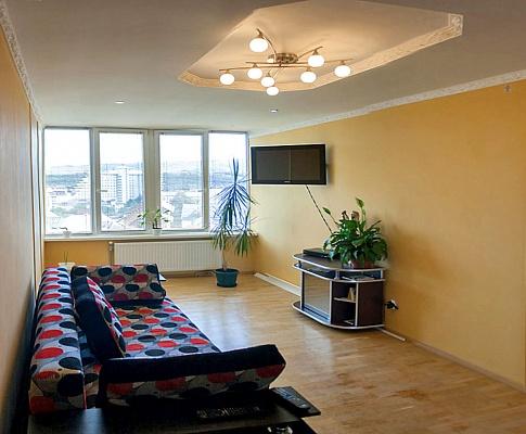 2-комнатная квартира посуточно в Трускавце. ул. Ивасюка, 15. Фото 1
