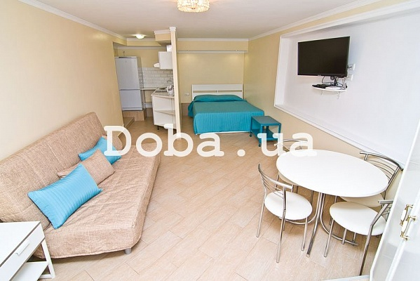 1-комнатная квартира посуточно в Феодосии. Черноморская набережная, 2. Фото 1