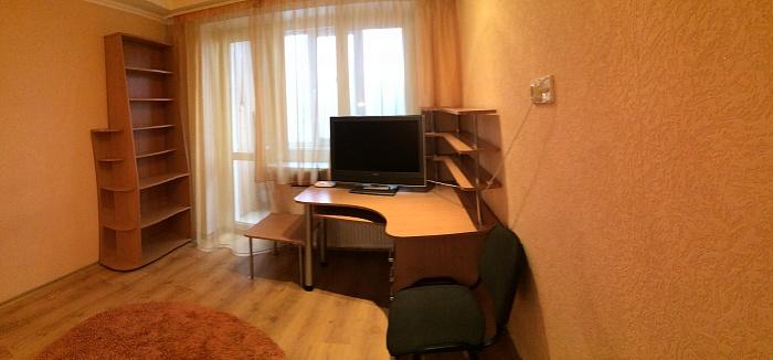 1-комнатная квартира посуточно в Донецке. Ворошиловский район, пр-т Освобождения Донбасса, 2а. Фото 1