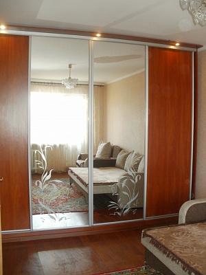 1-комнатная квартира посуточно в Ровно. ул. Киевская, 26. Фото 1