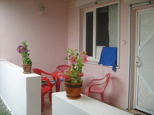 Мини-отель  посуточно в Судаке. ул. Нахимова, 3. Фото 1