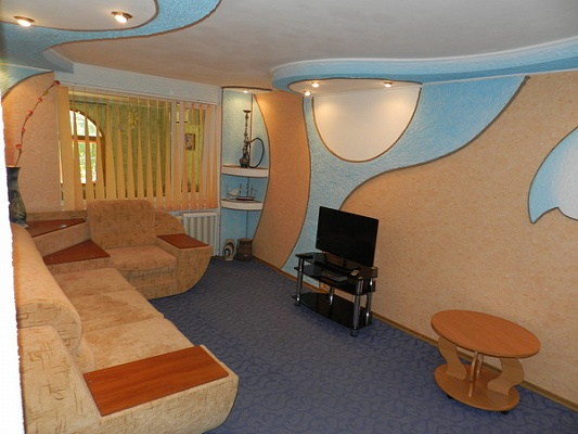 2-комнатная квартира посуточно в Феодосии. ул. Советская, 18. Фото 1