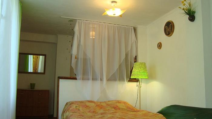 Дом  посуточно в Феодосии. ул. Гарнаева, 20. Фото 1