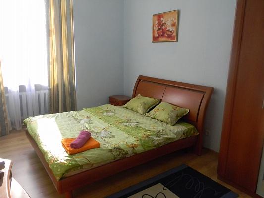 2-комнатная квартира посуточно в Киеве. Печерский район, ул. Бассейная, 3. Фото 1