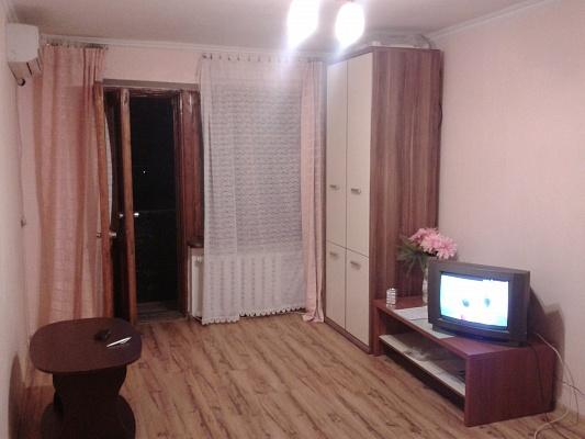 1-комнатная квартира посуточно в Одессе. Приморский район, ул. Черняховского, 24. Фото 1
