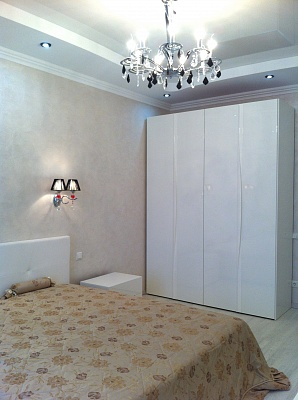2-комнатная квартира посуточно в Севастополе. Ленинский район, ул. Адм.Октябрьского, 3. Фото 1