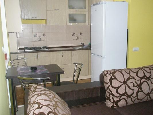 2-комнатная квартира посуточно в Херсоне. Суворовский район, ул. Ушакова, 56. Фото 1