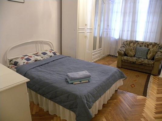1-комнатная квартира посуточно в Киеве. Шевченковский район, Михайловская, 22. Фото 1