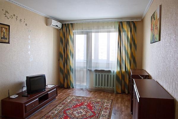 1-комнатная квартира посуточно в Симферополе. Киевский район, ул. Лермонтова, 5. Фото 1