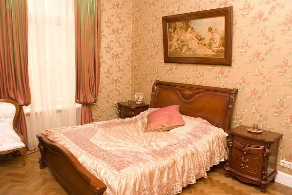 3-комнатная квартира посуточно в Одессе. Приморский район, ул. Садовая, 16. Фото 1