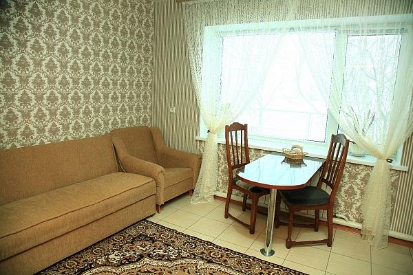 Дом  посуточно в Хмельнике. ул. Остапа Вишни, 6. Фото 1