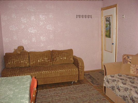 2-комнатная квартира посуточно в Евпатории. пр-т Победы, 18. Фото 1