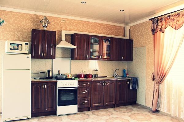 2-комнатная квартира посуточно в Евпатории. ул. Симферопольская , 63/3. Фото 1