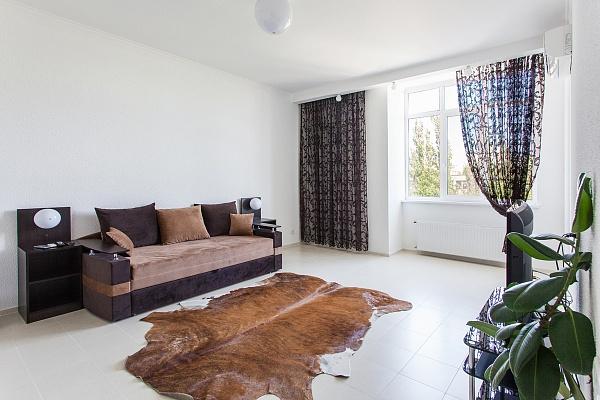 3-комнатная квартира посуточно в Одессе. Приморский район, б-р Французский, 22,корпус 1. Фото 1