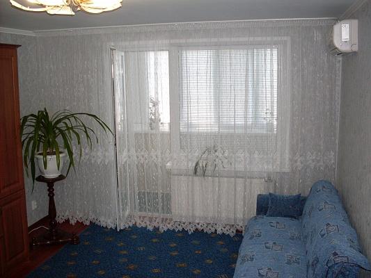 1-комнатная квартира посуточно в Бердянске. ул. Мичурина, 85. Фото 1