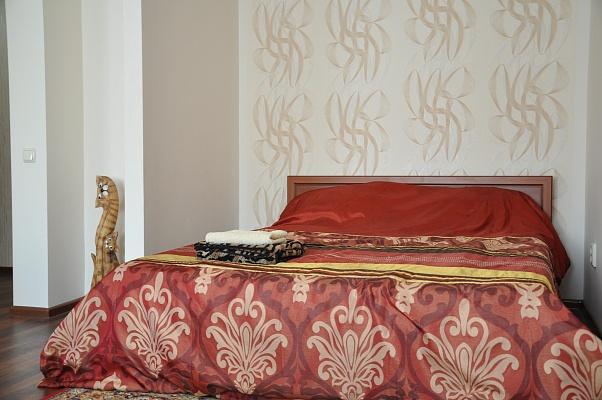 1-комнатная квартира посуточно в Мелитополе. пр-т Б. Хмельницкого. Фото 1