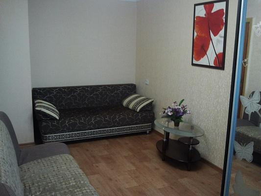 1-комнатная квартира посуточно в Севастополе. Гагаринский район, ул. Корчагина, 10. Фото 1