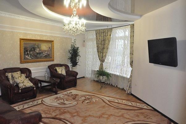 2-комнатная квартира посуточно в Трускавце. ул. Крушельницкой, 8. Фото 1