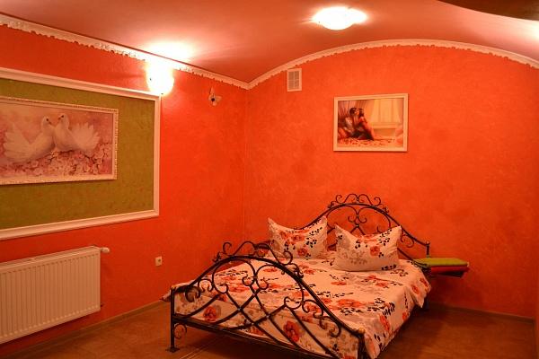 2-комнатная квартира посуточно в Львове. Галицкий район, ул. Щепкина, 6. Фото 1
