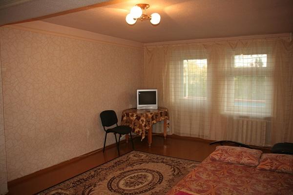 1-комнатная квартира посуточно в Днепропетровске. Бабушкинский район, ул. Плеханова, 12. Фото 1