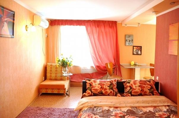 1-комнатная квартира посуточно в Николаеве. Заводской район, пр-т Центральный (Ленина), 4. Фото 1