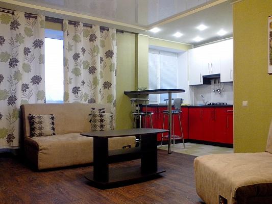 1-комнатная квартира посуточно в Алчевске. ул. Гмыри, 10. Фото 1