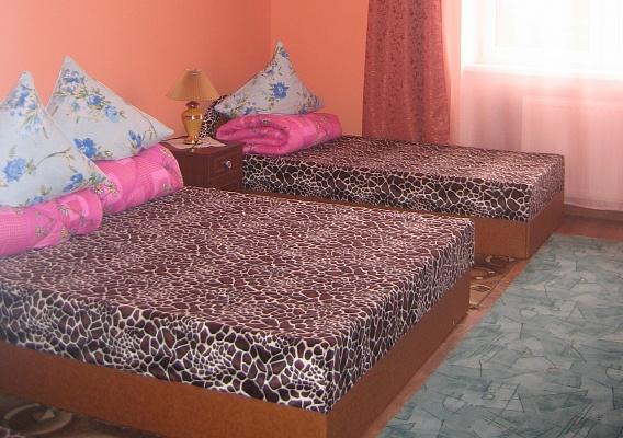 3-комнатная квартира посуточно в Берегово. ул. Центральная, 9. Фото 1