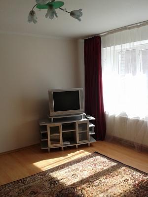 2-комнатная квартира посуточно в Тернополе. ул. Шпитальная, 3. Фото 1