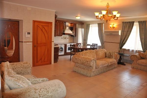 4-комнатная квартира посуточно в Одессе. Киевский район, ул. Ивана Франко, 51. Фото 1