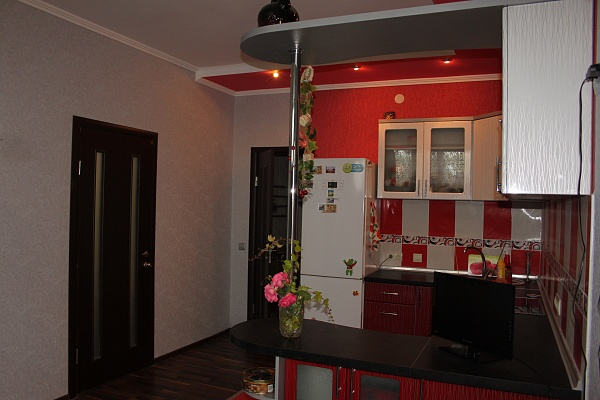 2-комнатная квартира посуточно в Форосе. ПГТ Парковое. Фото 1
