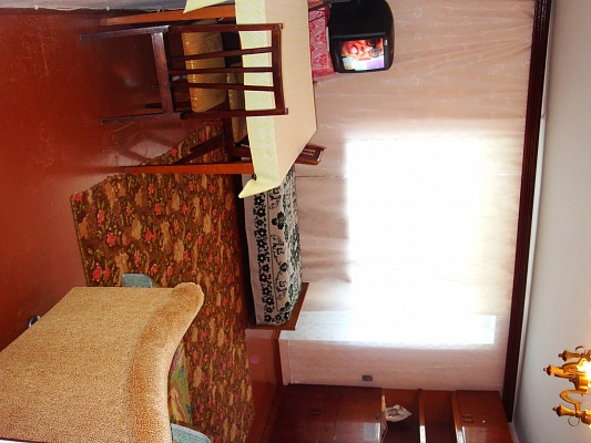1-комнатная квартира посуточно в Ильичёвске. ул. Ленина, 41. Фото 1