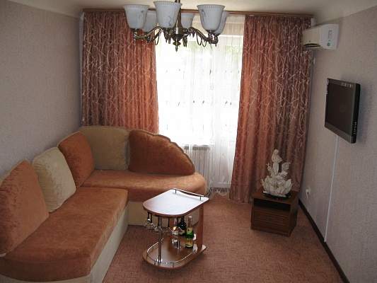 1-комнатная квартира посуточно в Мариуполе. пр. Ленина. Фото 1