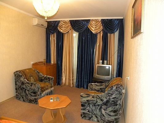 1-комнатная квартира посуточно в Симферополе. Киевский район, пр-т Победы, 48. Фото 1